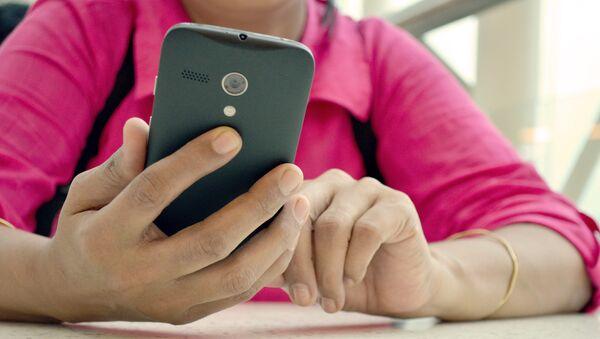 Ispolzovaniye mobilnыx prilojeniy v smartfone - Sputnik Oʻzbekiston