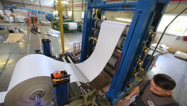 Производство термочувствительной бумаги для изготовления чековой ленты в Калининграде - Sputnik Ўзбекистон