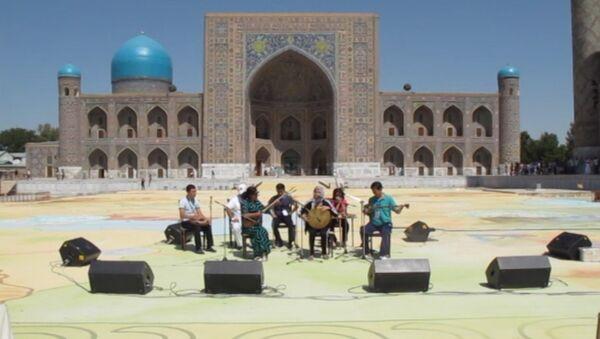 Репетиция ансамблей на площади Регистан - Sputnik Ўзбекистон