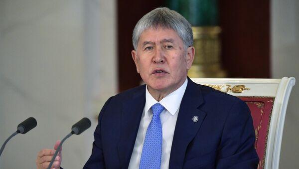 Президент Киргизии Алмазбек Атамбаев - Sputnik Ўзбекистон
