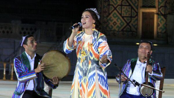 Выступление узбекского ансамбля - Sputnik Узбекистан