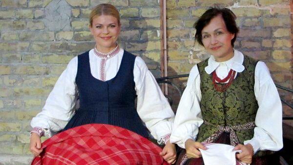 Литовский дуэт Sauges на фестивале Шарк тароналари - Sputnik Узбекистан