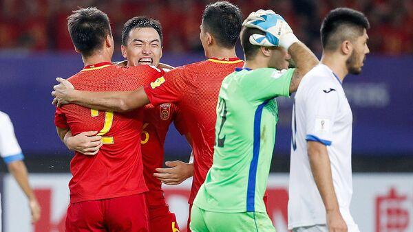 Сборная Узбекистана по футболу проиграла сборной Китая со счетом 0:1 - Sputnik Узбекистан