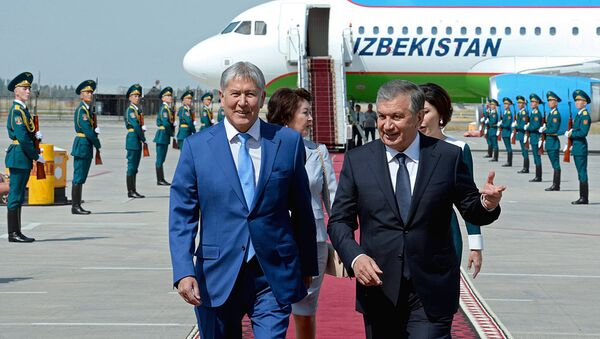 Prezident Uzbekistana Shavkat Mirziyoyev pribыl v Kыrgыzstan s gosudarstvennыm vizitom - Sputnik Oʻzbekiston