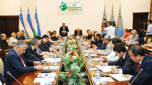 5 сентября 2017 года в Узбекистан с официальным визитом прибыла делегация Федерации независимых профсоюзов России во главе с председателем ФНПР Михаилом Шмаковым - Sputnik Ўзбекистон