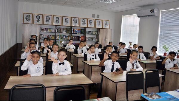 РЦНК в Ташкенте на открытии классов русского языка в Узбекистане - Sputnik Узбекистан