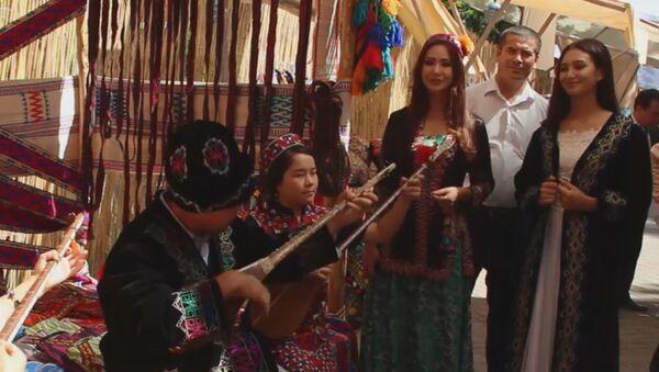Фестиваль O'zbegim: красочно, весело, вкусно - Sputnik Узбекистан