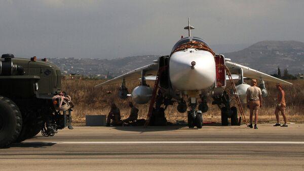 Российская боевая авиация на аэродроме Хмеймим в Сирии - Sputnik Узбекистан