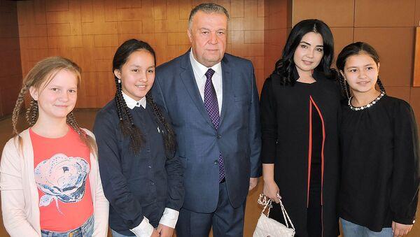 Министр культуры РУз пожелал удачи участницам из Узбекистана проекта Ты супер!Танцы - Sputnik Ўзбекистон