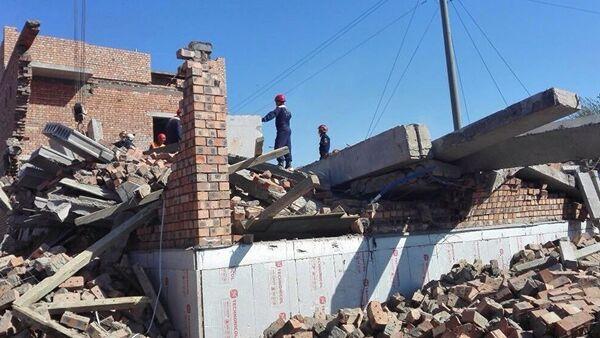 Перекрытие и стена обрушились в строящемся доме в Астане - Sputnik Ўзбекистон