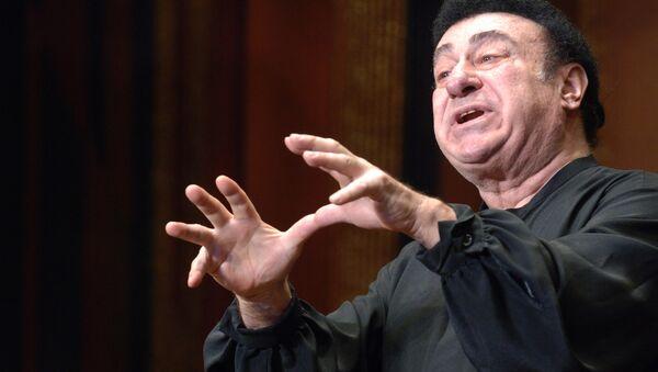 Оперный певец Зураб Соткилава выступил с концертом, посвященным памяти погибших в грузино-югоосетинском конфликте - Sputnik Узбекистан