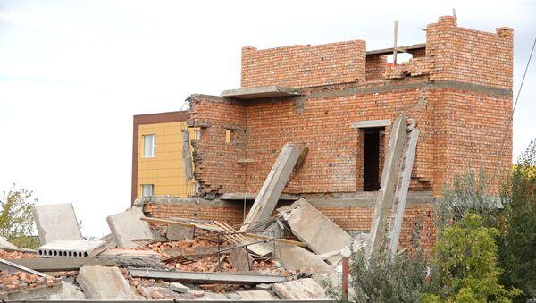 Opustevshaya stroyka: kak vыglyadit mesto obrusheniya v Astane - Sputnik Oʻzbekiston