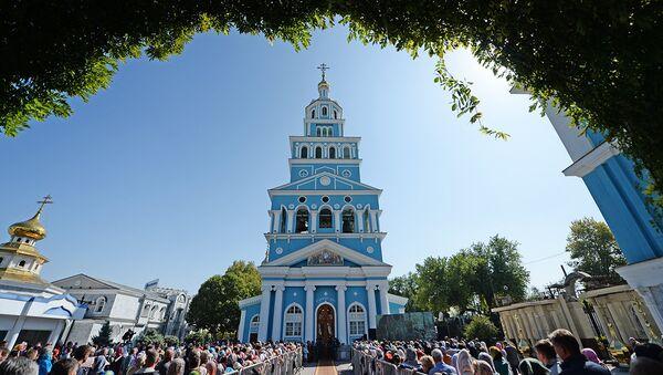 Литургия в Успенском соборе в Ташкенте - Sputnik Узбекистан