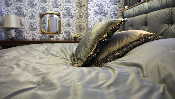 Кровать - Sputnik Узбекистан