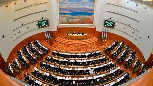 Plenarnoye zasedaniye Senata Oliy Majlisa Respubliki Uzbekistan - Sputnik Oʻzbekiston