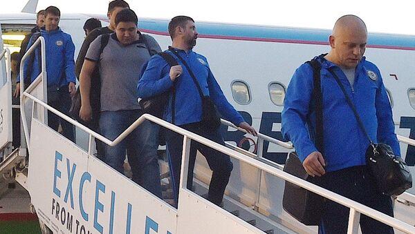 Национальная сборная Казахстана по футболу прибыла в Румынию - Sputnik Ўзбекистон