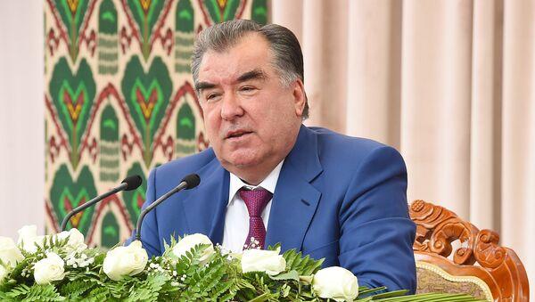 Визит Эмомали Рахмона в Кубодиёнском районе Хатлонской области - Sputnik Узбекистан