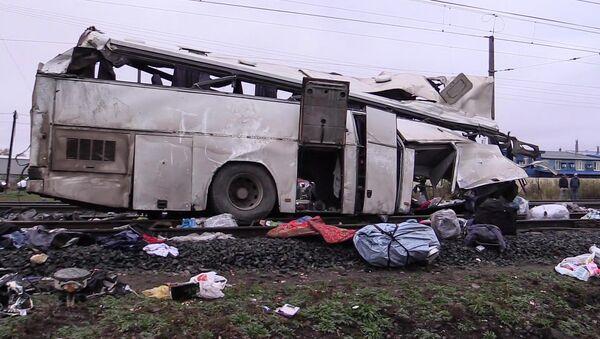 Автобус и поезд столкнулись на ж/д переезде во Владимирской области - Sputnik Ўзбекистон