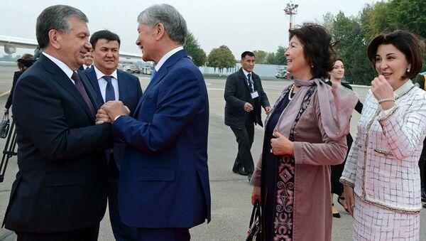 Prezident Almazbek Atambayev i Prezident Uzbekistana Shavkat Mirziyoyev - Sputnik Oʻzbekiston