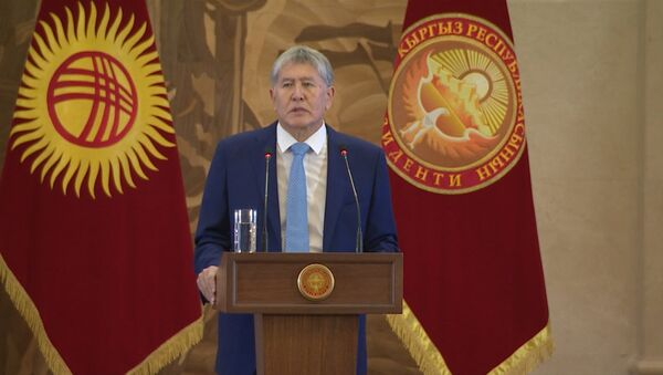 Атамбаев рассказал о Джумакадырове — видео с эмоциями президента - Sputnik Ўзбекистон