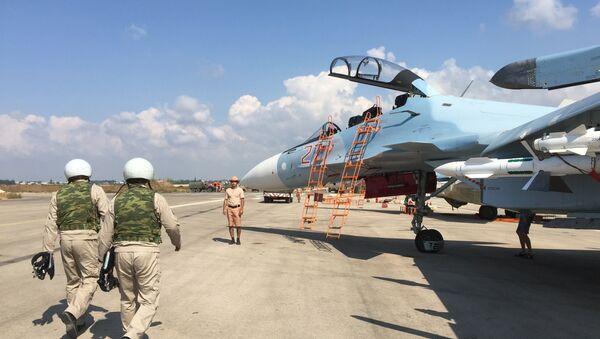 Suriyaning Xmeymim aerodromida Rossiya harbiy guruhi - Sputnik Oʻzbekiston