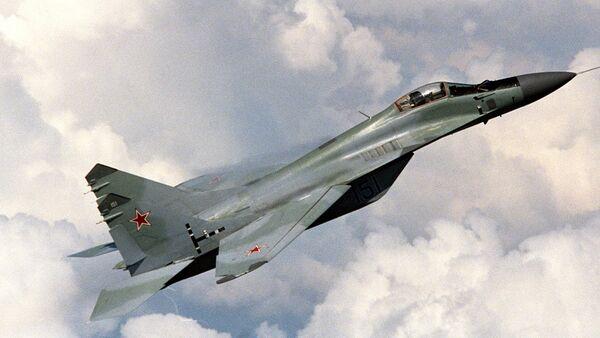 Сверхзвуковой истребитель МиГ-29 в воздухе - Sputnik Ўзбекистон