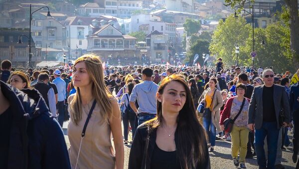 Любимый праздник: как столица Грузии отметила Тбилисоба - Sputnik Узбекистан
