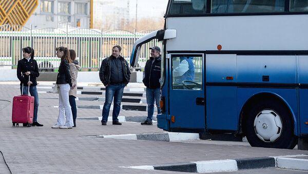 Пассажиры на автовокзале - Sputnik Ўзбекистон
