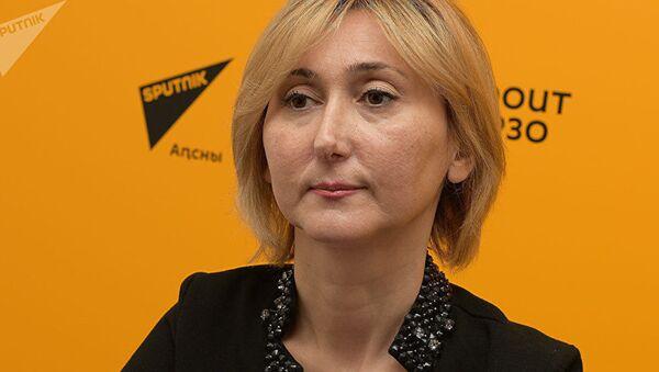 Главный врач Центра коррекции зрения Анна Кове - Sputnik Узбекистан