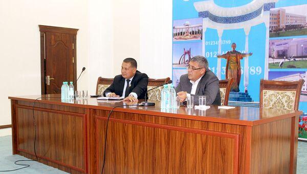 Встреча министра высшего и среднего специального образования И.У. Маджидова с профессорами-преподавателями Ургенчского государственного университета - Sputnik Узбекистан