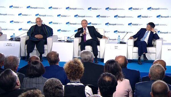 Владимир Путин о RT, Sputnik и о женщине-президенте - Sputnik Узбекистан