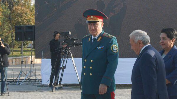 Инспекторам профилактики вручены ключи от квартир и машин - Sputnik Ўзбекистон
