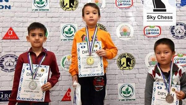Победители 5 тура Детского Шахматного фестиваля - Sputnik Узбекистан