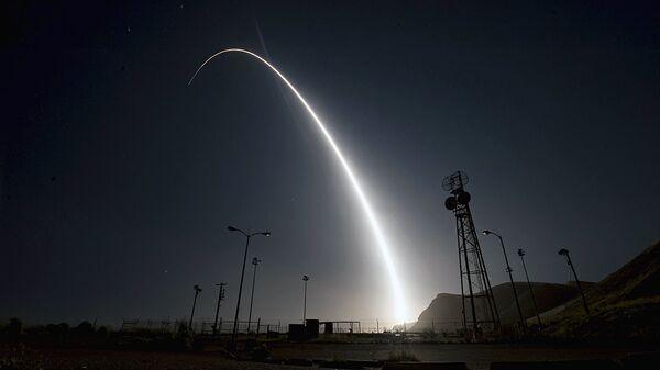 Запуск межконтинентальной баллистической ракеты Minuteman 3  - Sputnik Ўзбекистон