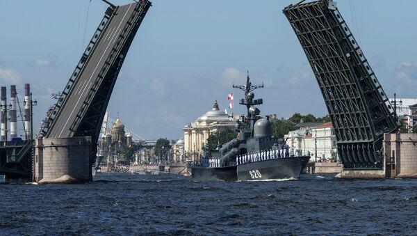Репетиция парада ко Дню ВМФ в Санкт-Петербурге - Sputnik Ўзбекистон
