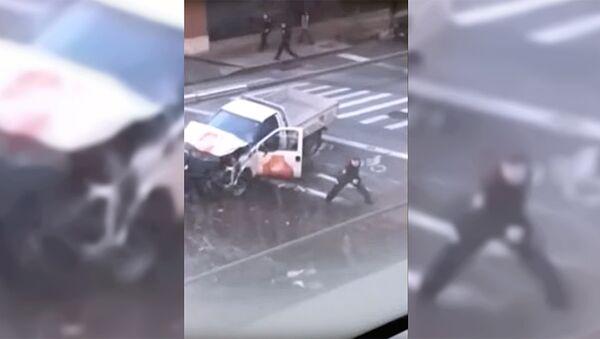 Задержание подозреваемого в наезде на велосипедистов в Нью-Йорке - Sputnik Ўзбекистон