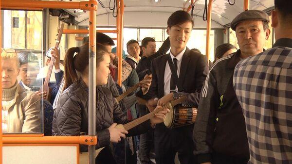 Дети просят Атамбаева и Назарбаева помириться — флешмоб в Бишкеке - Sputnik Узбекистан