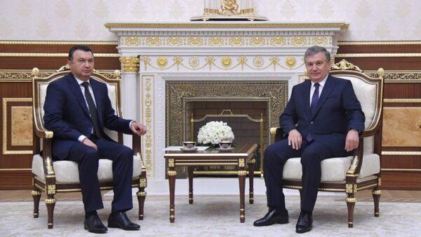 Встреча президента Узбекистана Шавката Мирхиёева с премьер-министром Таджикистана Кохиром Расулзода - Sputnik Ўзбекистон