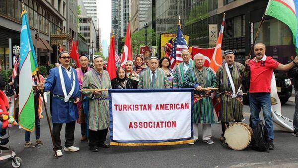 Митинг узбекской диаспоры в США против терроризма - Sputnik Узбекистан