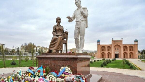 В Джизаке открыли мемориальный комплекс Хамида Алимджана и Зульфии - Sputnik Ўзбекистон
