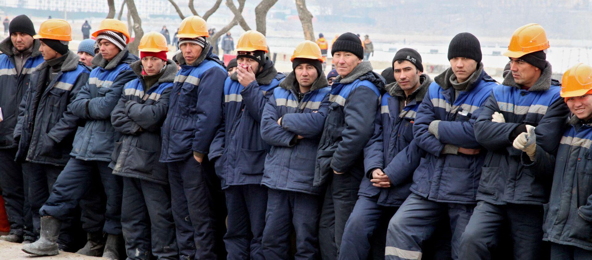 Иностранные рабочие - Sputnik Узбекистан, 1920, 07.04.2020