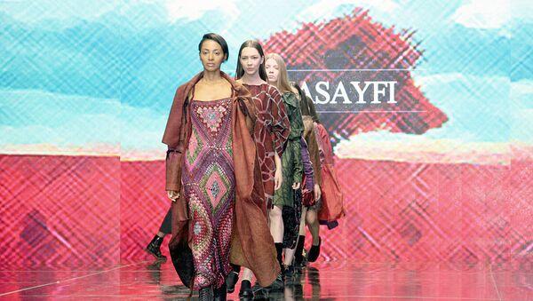 Модели во время показа на Tashkent Fashion Week 2017 - Sputnik Узбекистан