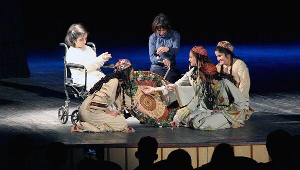 Выступление интегрированного театра движения Лик - Sputnik Узбекистан