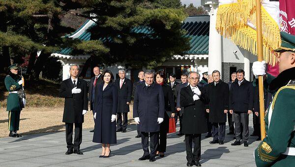 Президент Узбекистана Шавкат Мирзиёев в Южной Корее - Sputnik Ўзбекистон