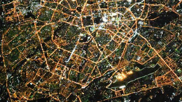 Российский космонавт Сергей Рязанский поделился фотографиями столицы Узбекистана, которую сделал из космоса. - Sputnik Ўзбекистон