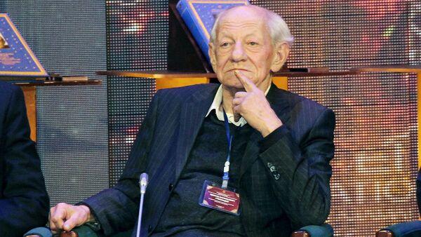 Академик Академии наук Республики Узбекистан, доктор исторических наук, профессор Эдвард Ртвеладзе  - Sputnik Узбекистан