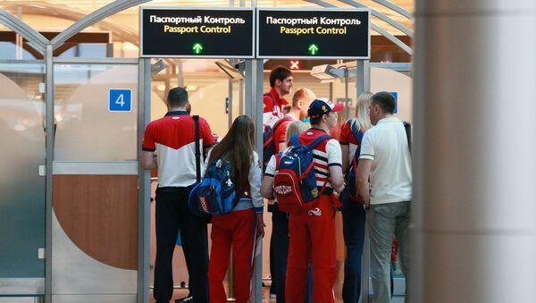 паспортный контроль - Sputnik Узбекистан