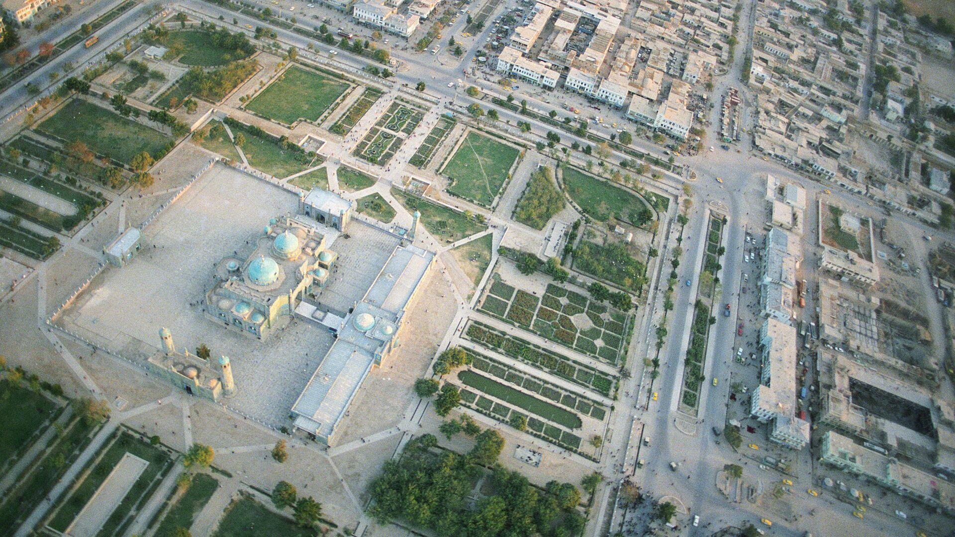 Вид с вертолета города Мазари-Шариф(Афганистан) - Sputnik Узбекистан, 1920, 14.07.2021