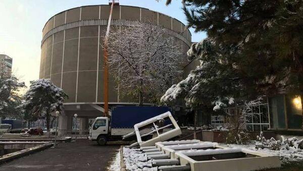 Ломают Дом Кино - Sputnik Узбекистан