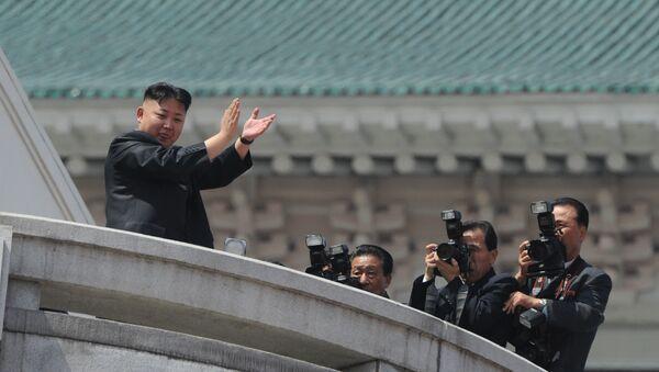 Военный парад, посвященный 100-летию со дня рождения Ким Ир Сена - Sputnik Ўзбекистон